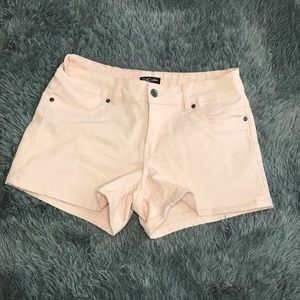 SUKO JEANS pale pink shorts
